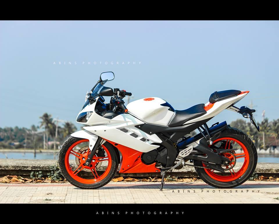 Yamaha R15 Orange white modification