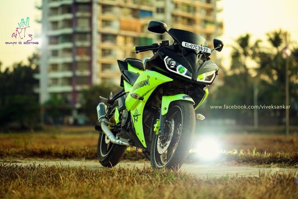 modified green and black yamaha r15 v2