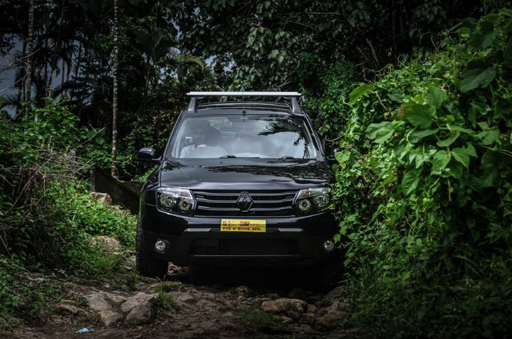 modified black renault duster in ernakulam engine remap modifiedx. Black Bedroom Furniture Sets. Home Design Ideas