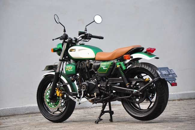 Bajaj Pulsar 220 modified classic
