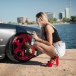 women and nissan gt r
