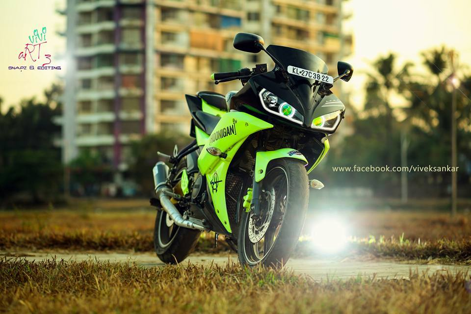 modified green and black yamaha r15 v2