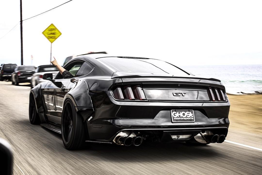 Black Ford Mustang S550 GT modified - ModifiedX