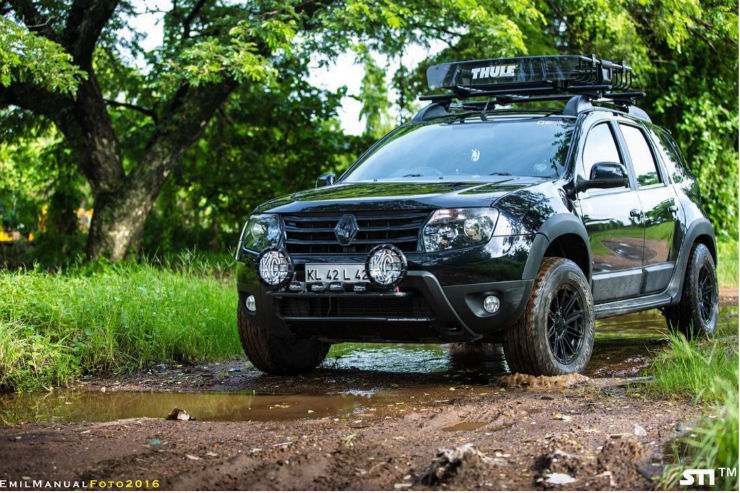 Modified Renault Duster in Kerala