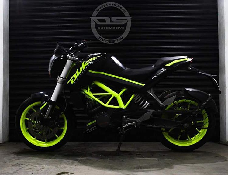 KTM Duke 200 green black