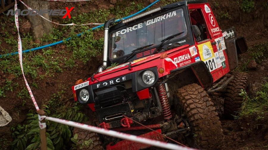 Force Gurkha in mud