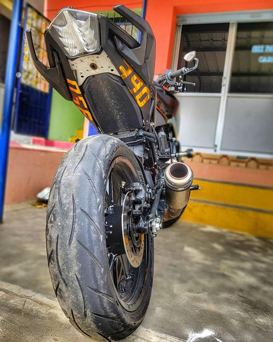KTM Duke 390 2017 custom rear