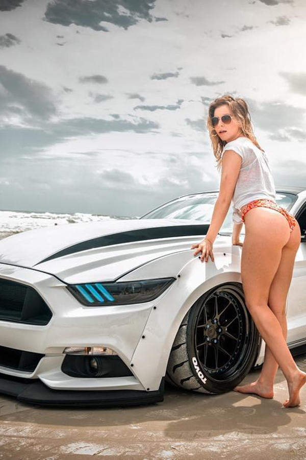 Ford Mustang Custom with hot model