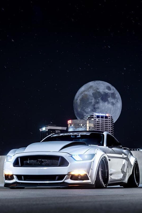 Ford Mustang S550 white widebody - Under the moon lit night