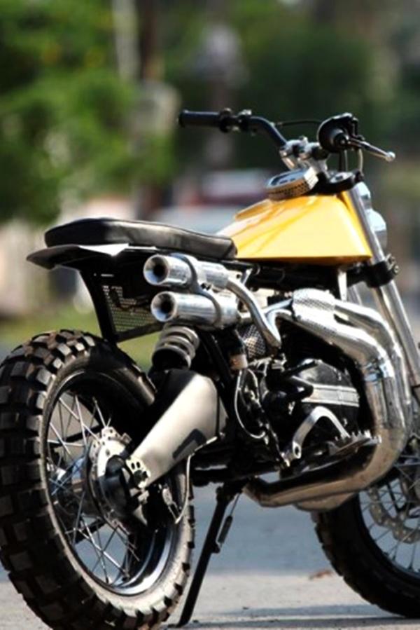 Motoexotica custom Yamaha RD350 Scambler modified