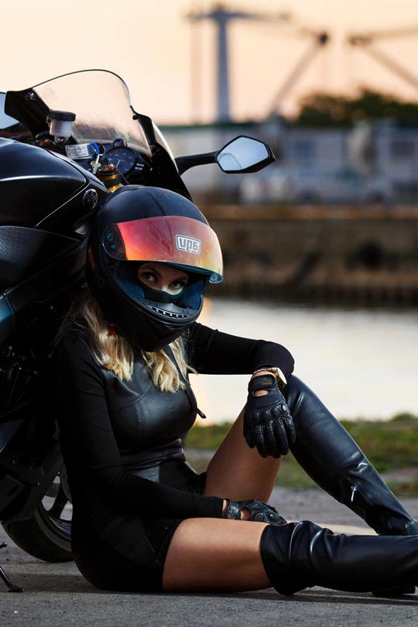 Ducati 848 SF rider girl Alina