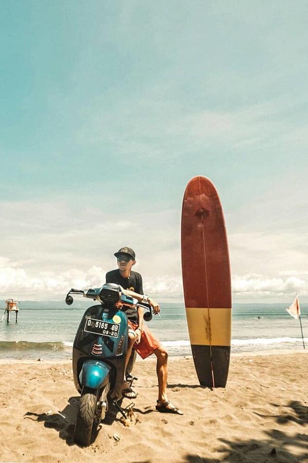 Vespa, Beach and surf