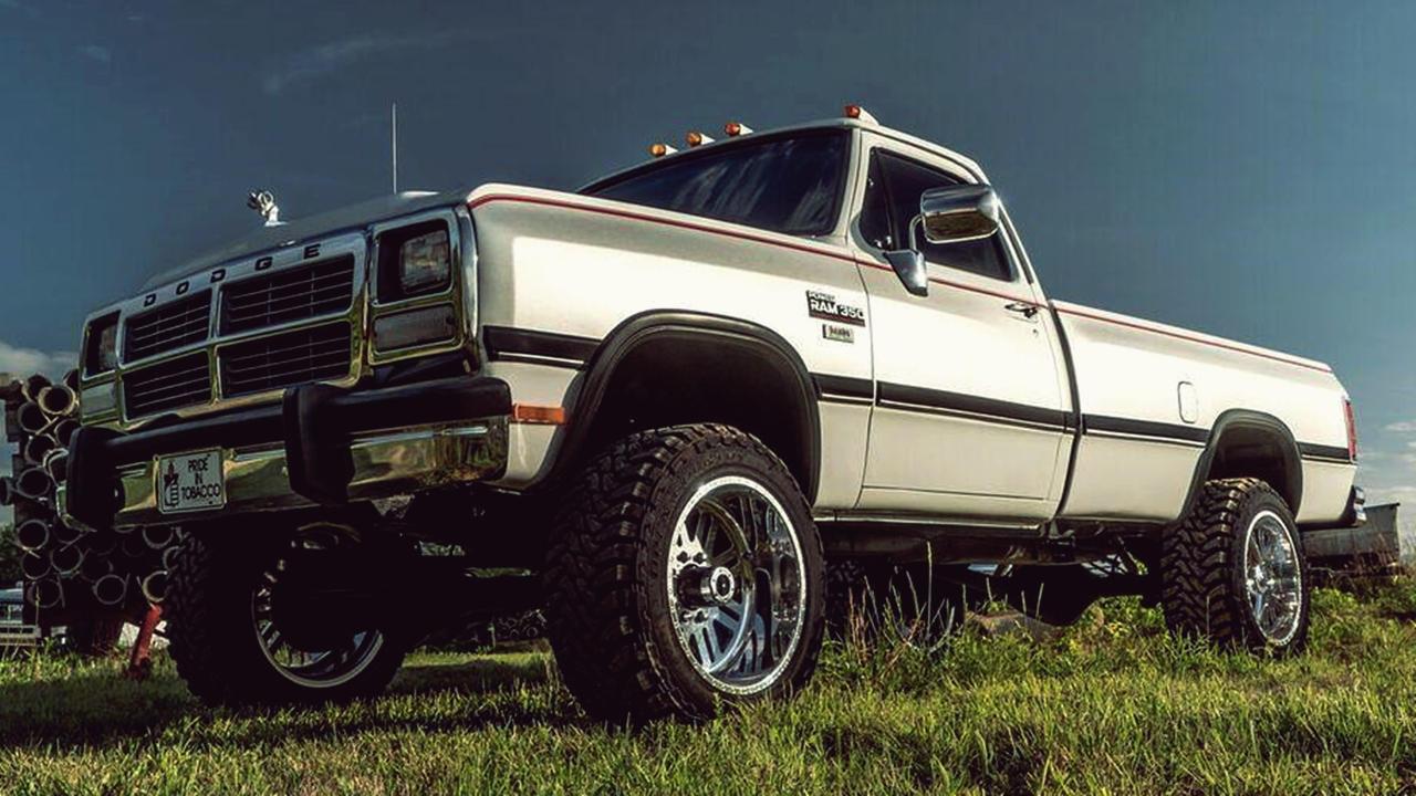 Clean 1993 Dodge RAM 350.