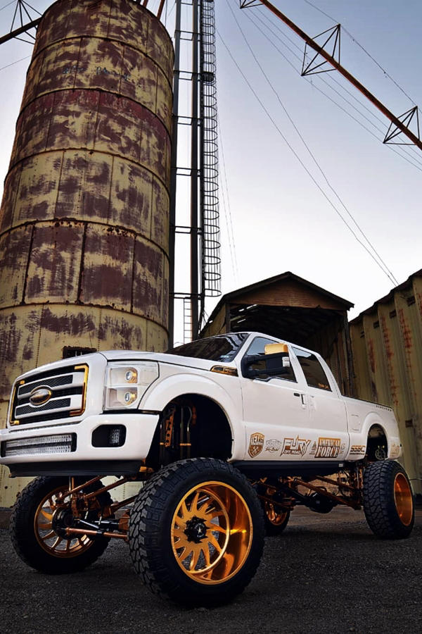 Custom Ford F250 LIFTED