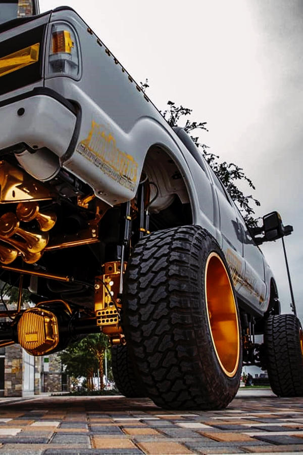 LIFTED Ford Trucks F250