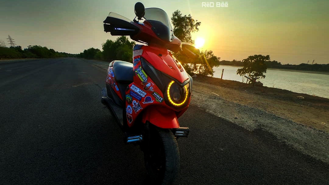 Modified Honda Dio red