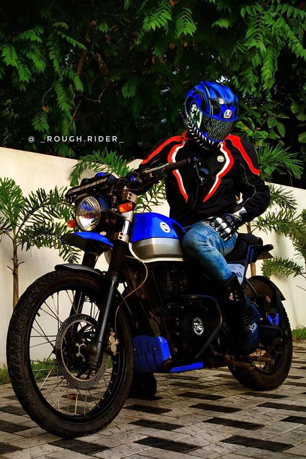 Royal Enfield Himalayan rider