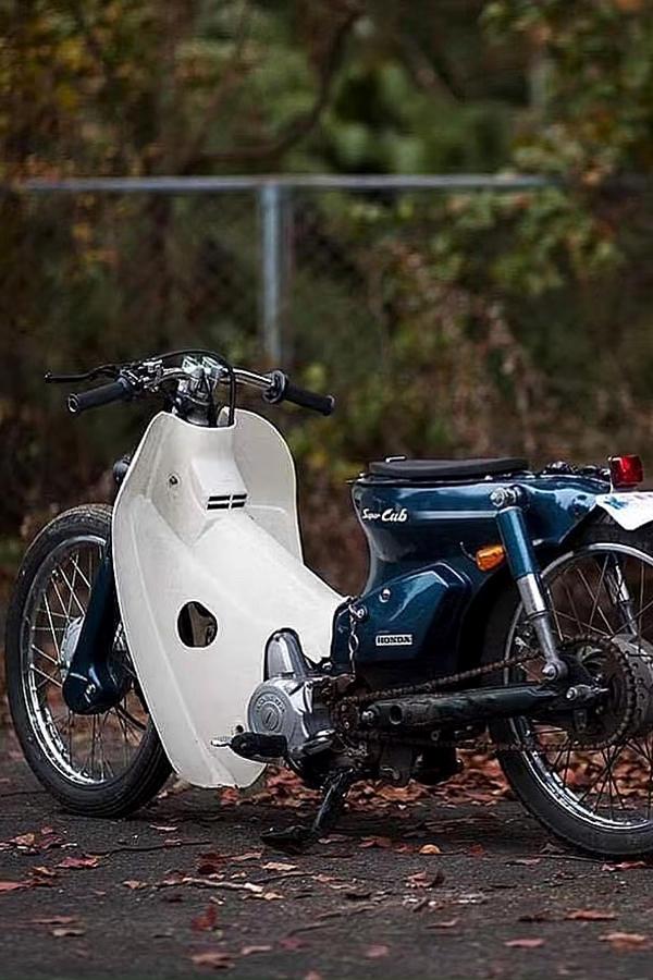 Honda Supercub scooter custom rear