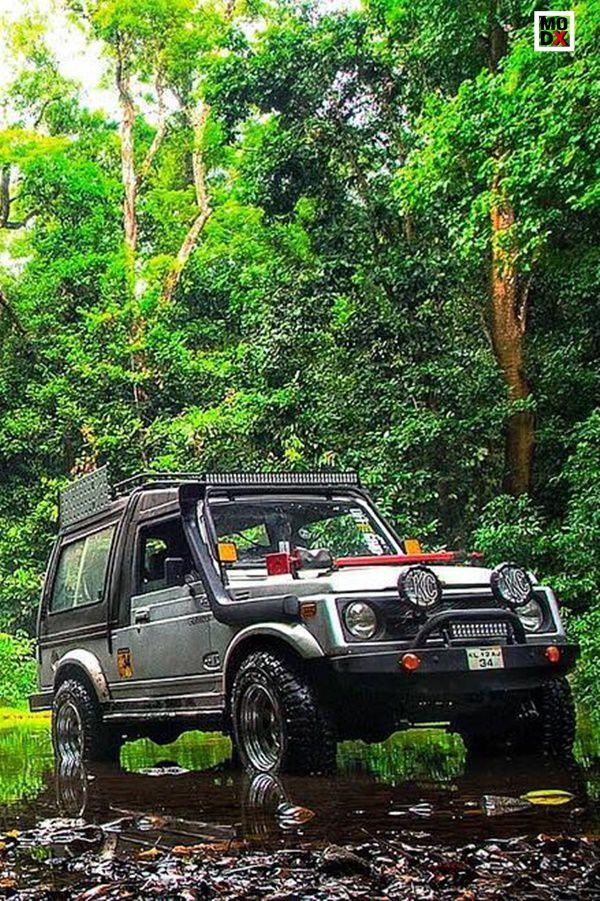 Suzuki Gypsy in forest