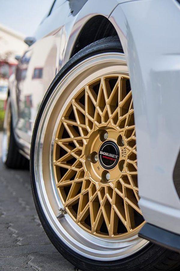 Star alloy wheels