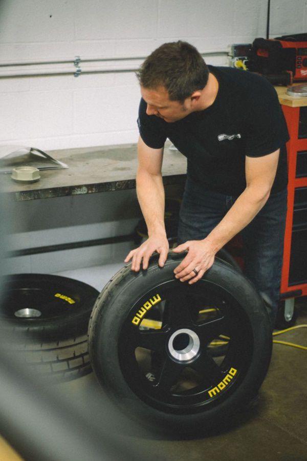 momo race wheels
