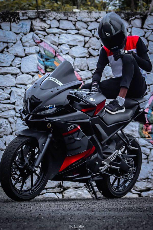 R15 V3 pillion seat rider