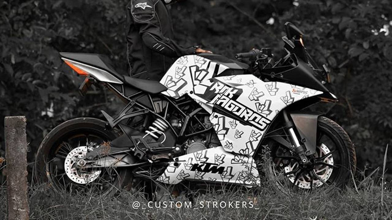 Modified Ktm Rc200 With Black And White Graphics Modifiedx
