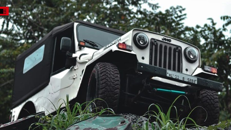 Old Jeep offroad