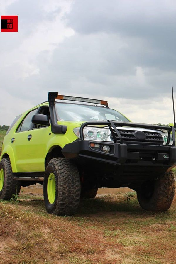 Toyota fortuner fluorescent green offroad