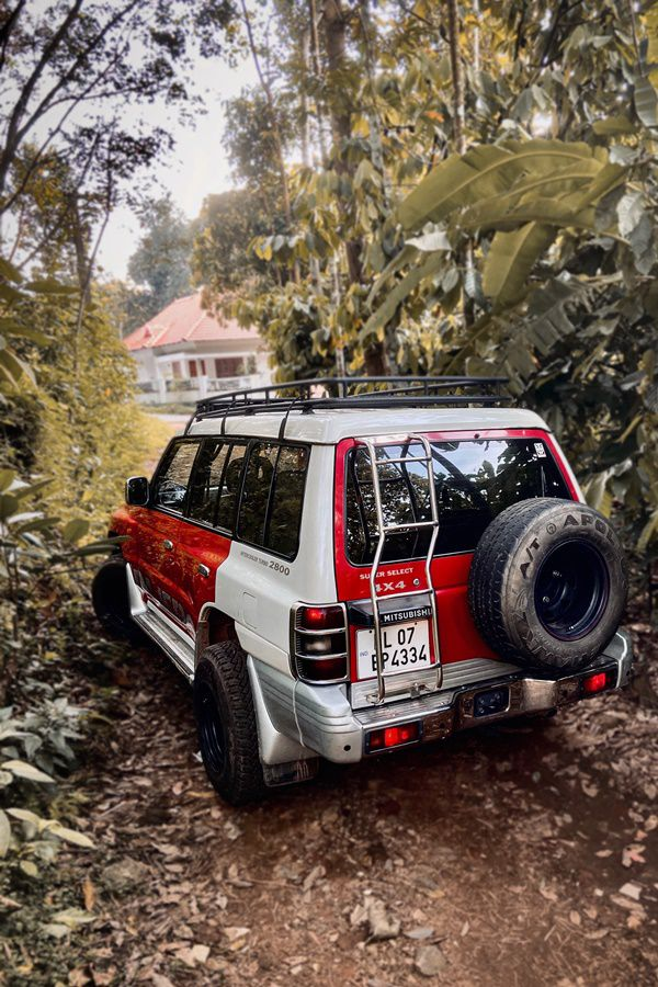 Mitsubishi Pajero modified rear