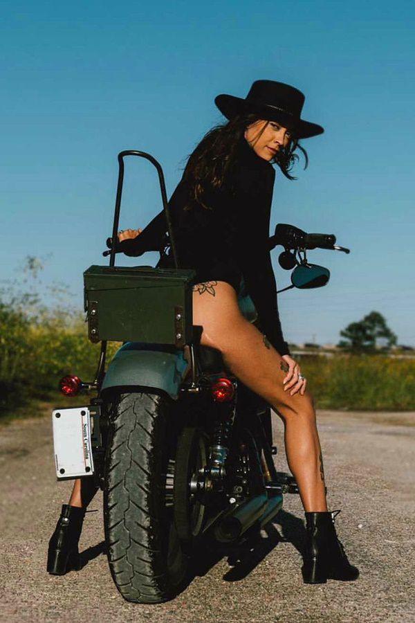 custom bike girl thighs